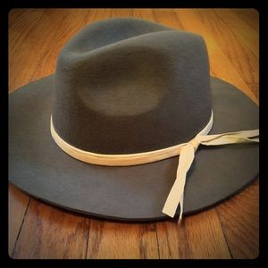 Cute gray hat with bow